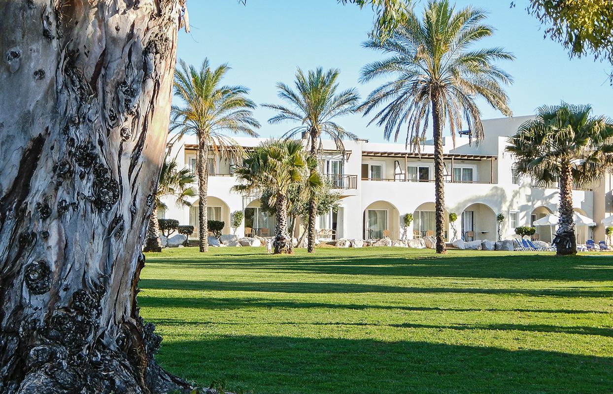 территория отеля Отель Grecotel Casa Marron