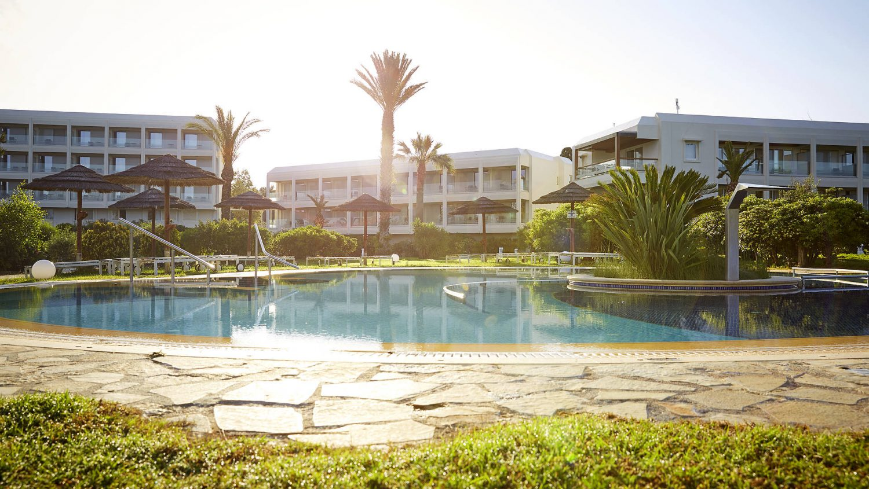 территория отеля Robinson Club Kyllini Beach