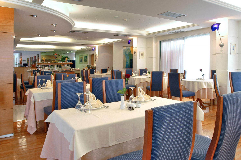 ресторан отеля Poseidon Palace