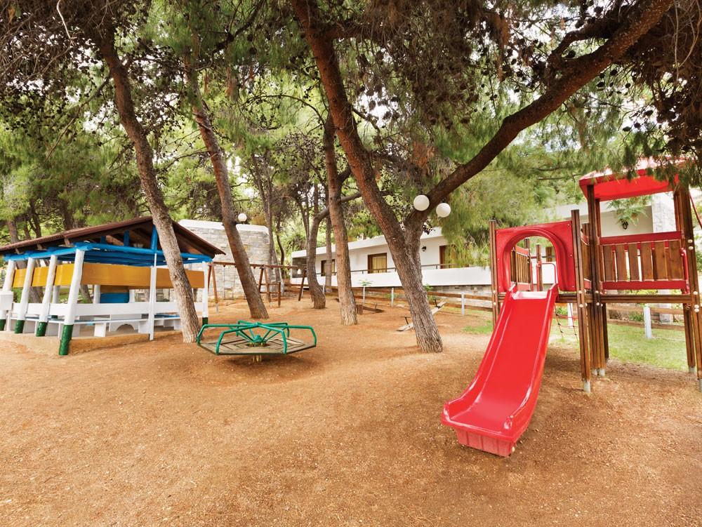детская площадка отеля Wyndham Loutraki Poseidon Resort