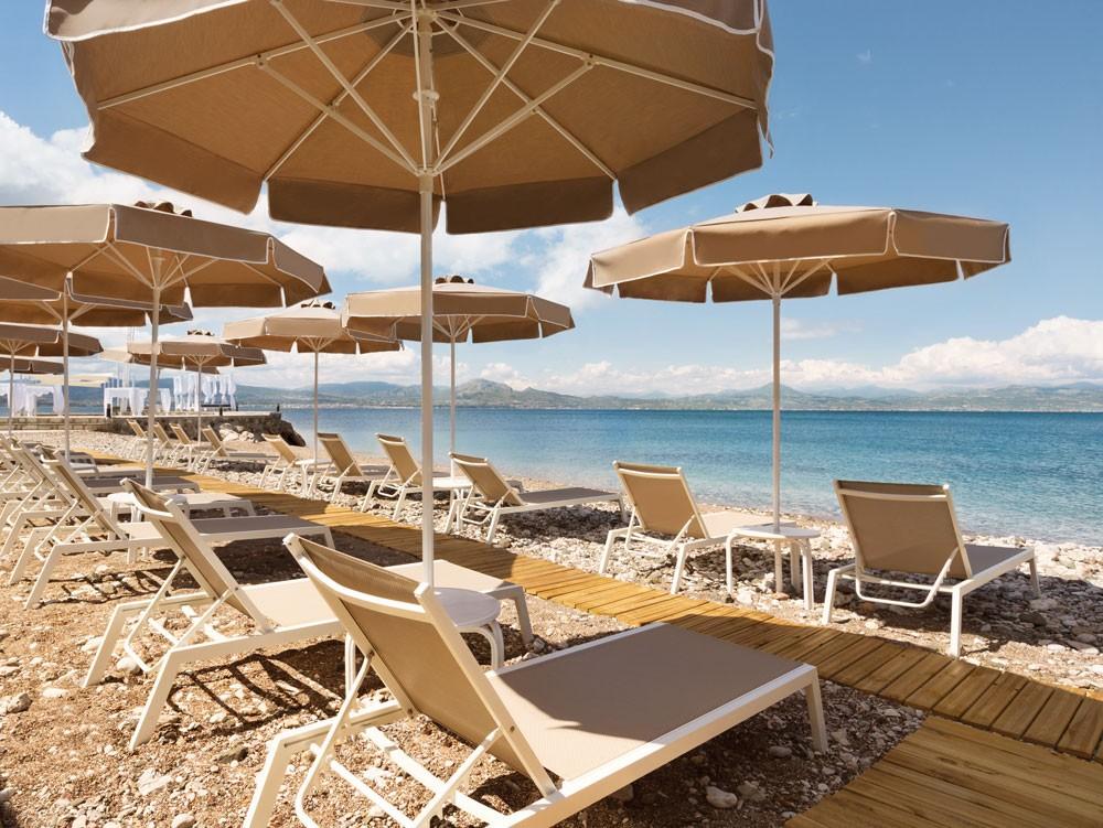 пляж отеля Wyndham Loutraki Poseidon Resort