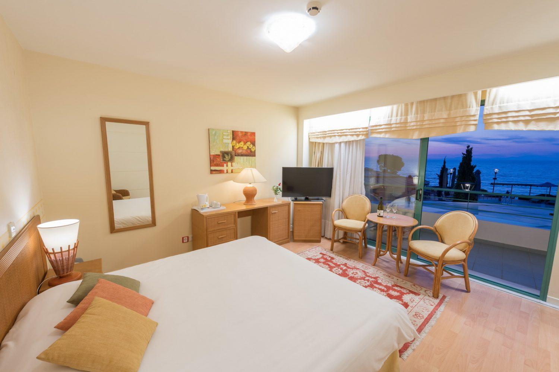 номер отеля Poseidon Palace