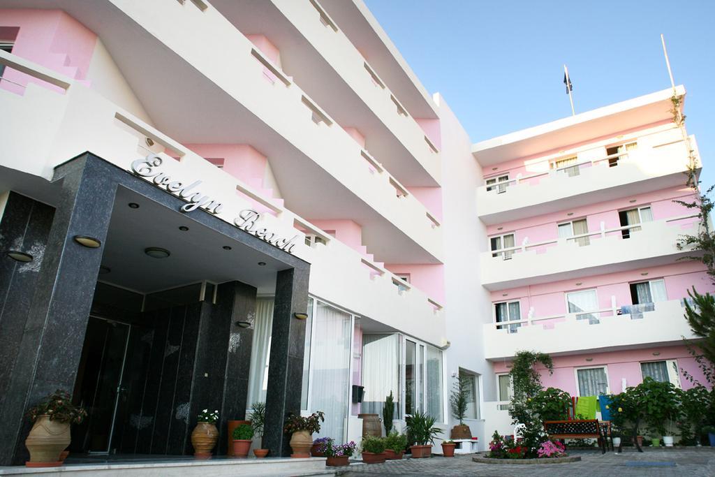 корпус отеля Evelyn Beach