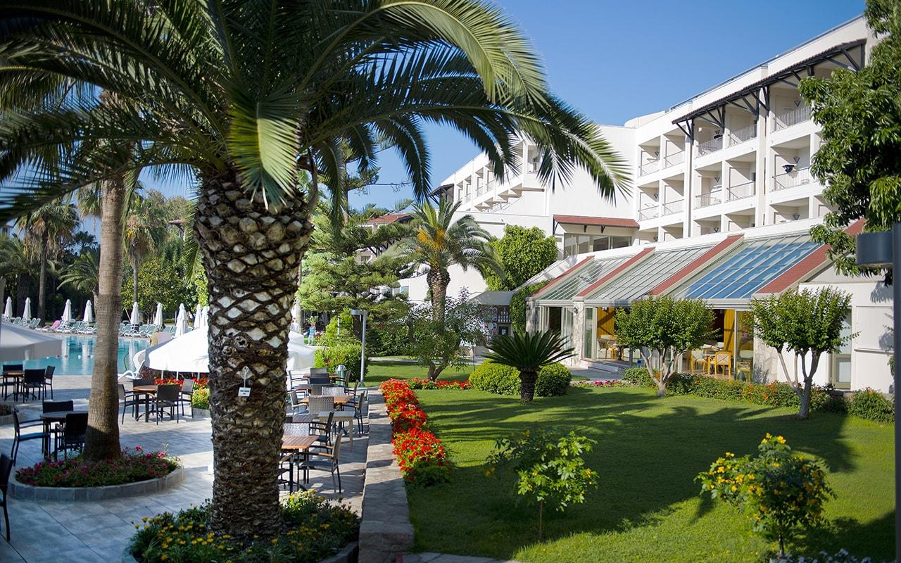 территория отеля Barut Hemera