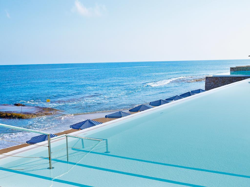 бассейн отеля Grecotel Lux.Me White Palace
