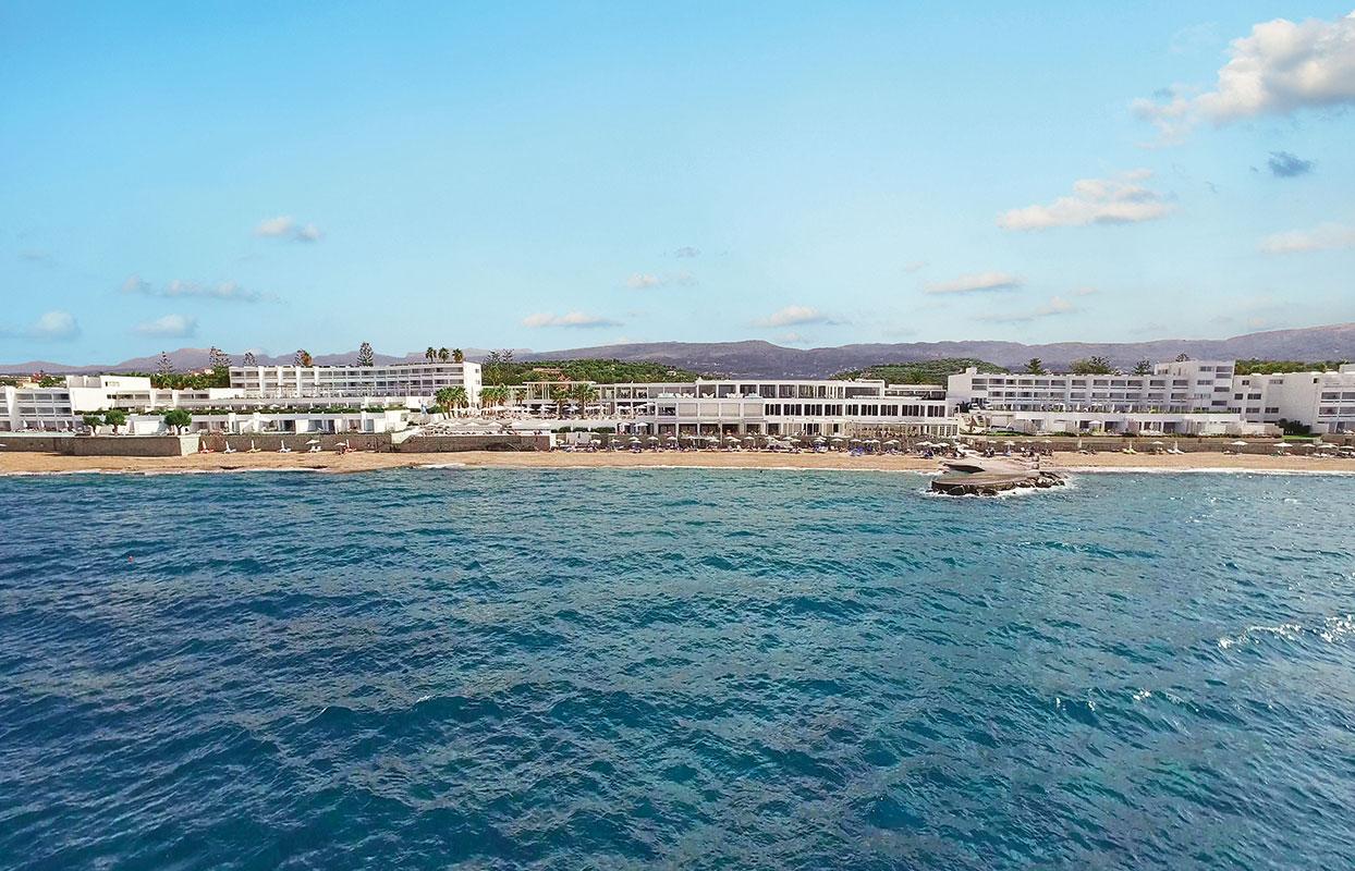 пляж отеля Grecotel Lux.Me White Palace