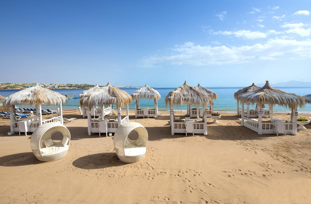 пляж отеля Sunrise Arabian Beach Resort