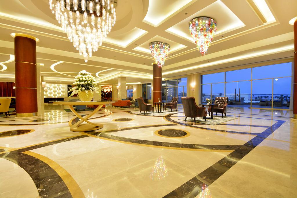 холл отеля Royal Albatros Moderna