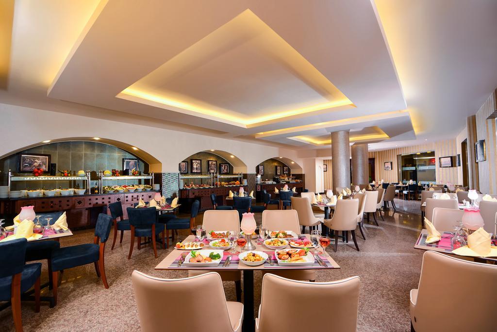 ресторан отеля Royal Albatros Moderna