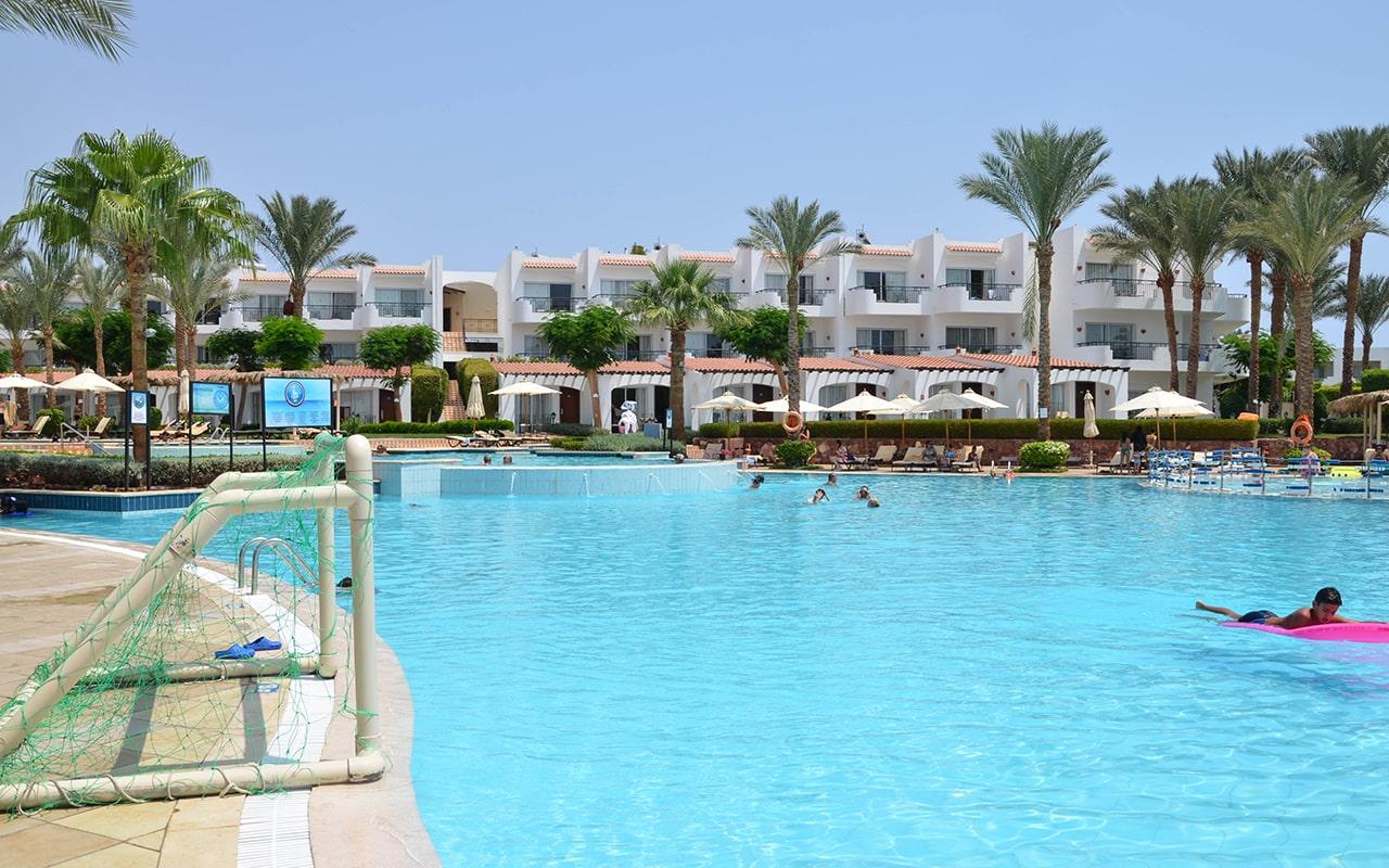 бассейн отеля Jaz Fanara Resort & Residence