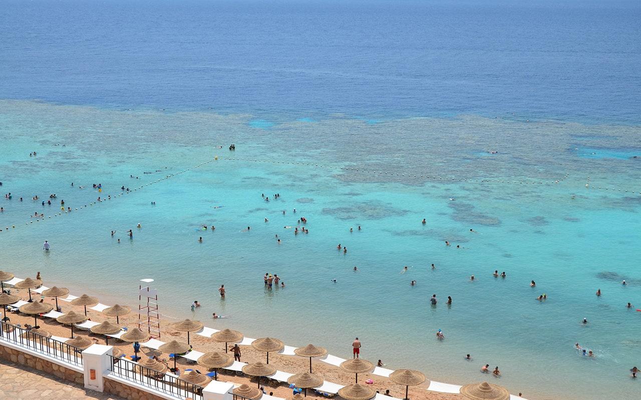 пляж отеля Jaz Fanara Resort & Residence