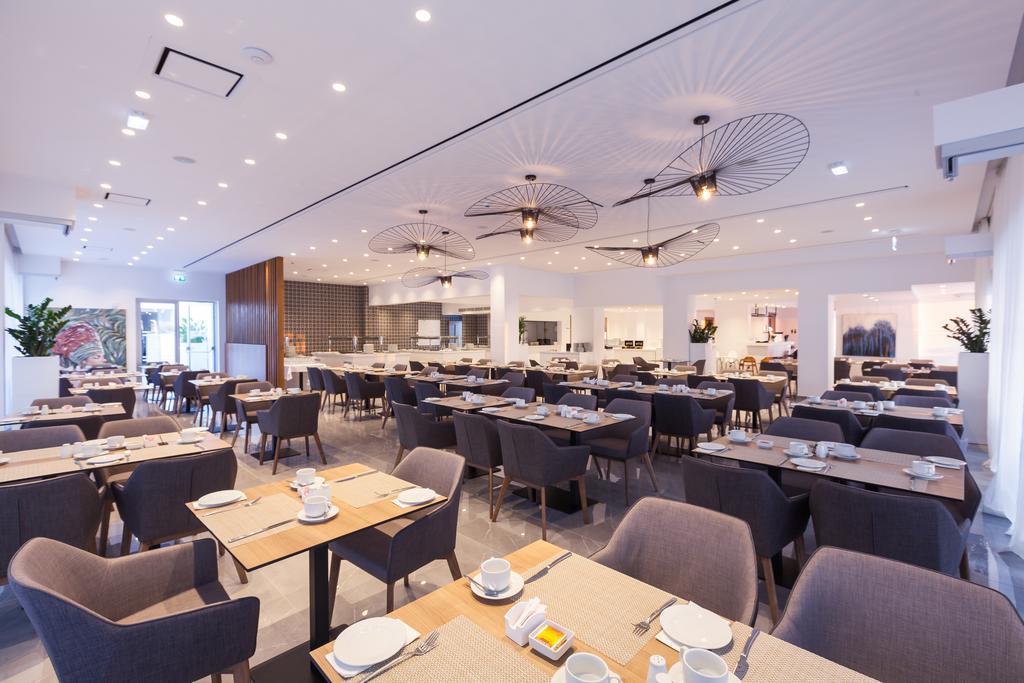 ресторан отеля The Blue Ivy Hotel & Suites