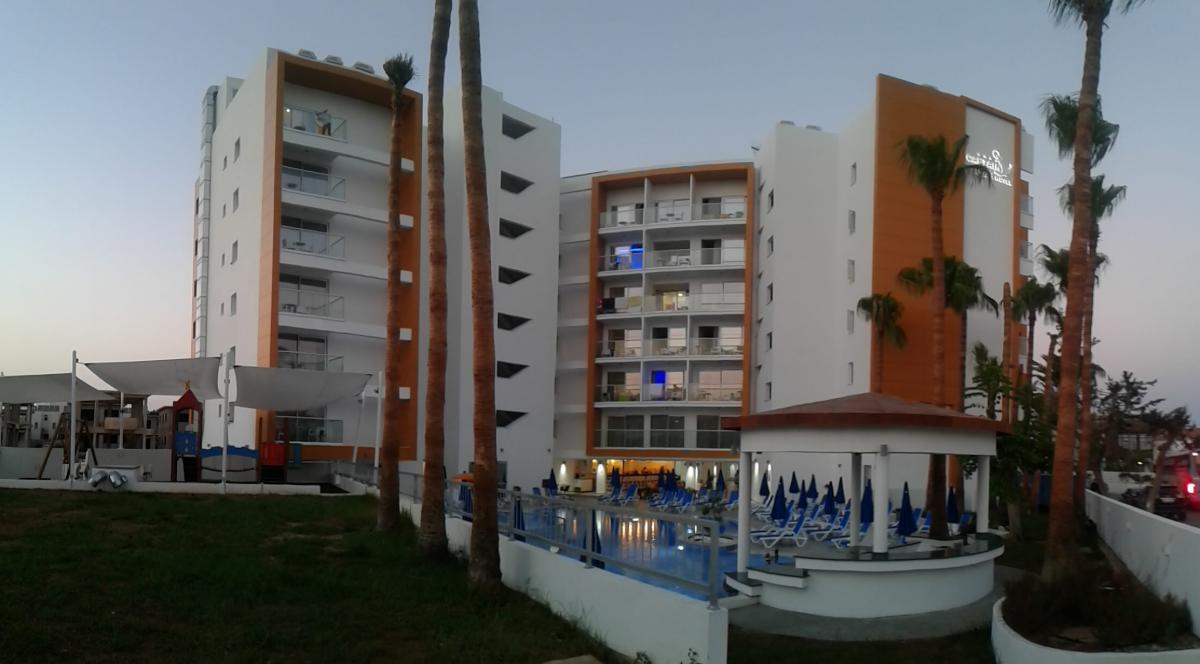 корпус отеля Captain Pier Hotel