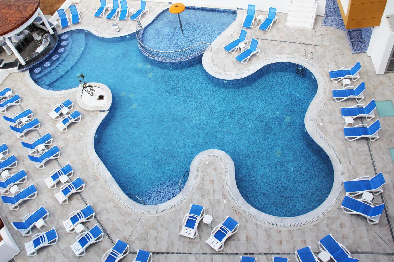 бассейн отеля Captain Pier Hotel