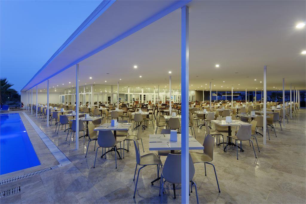 ресторан отеля Larissa Holiday Beach Club