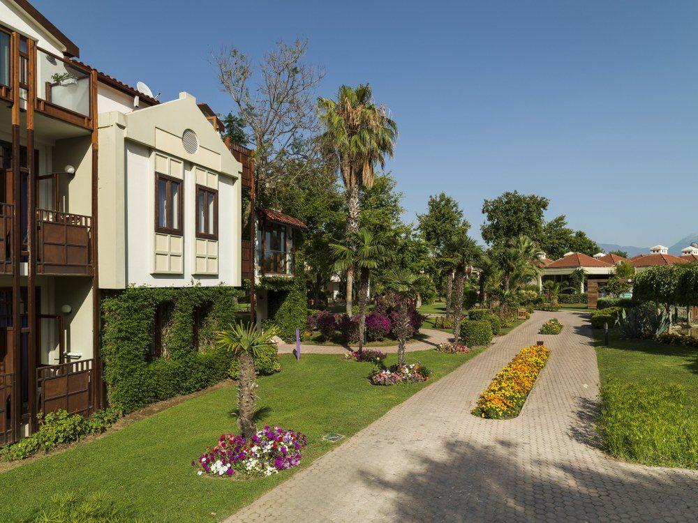 территория отеля Club Tuana