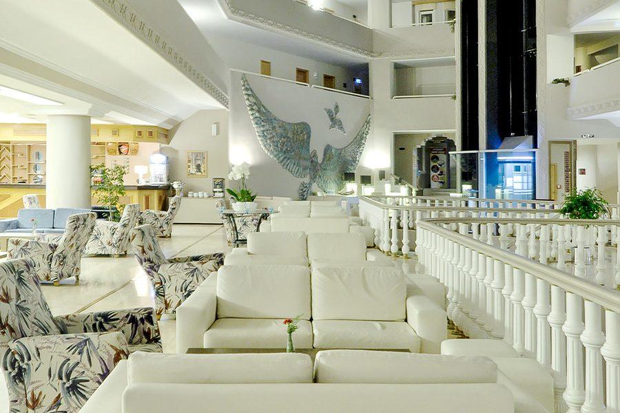 корпус отеля Alkoclar Adakule Hotel