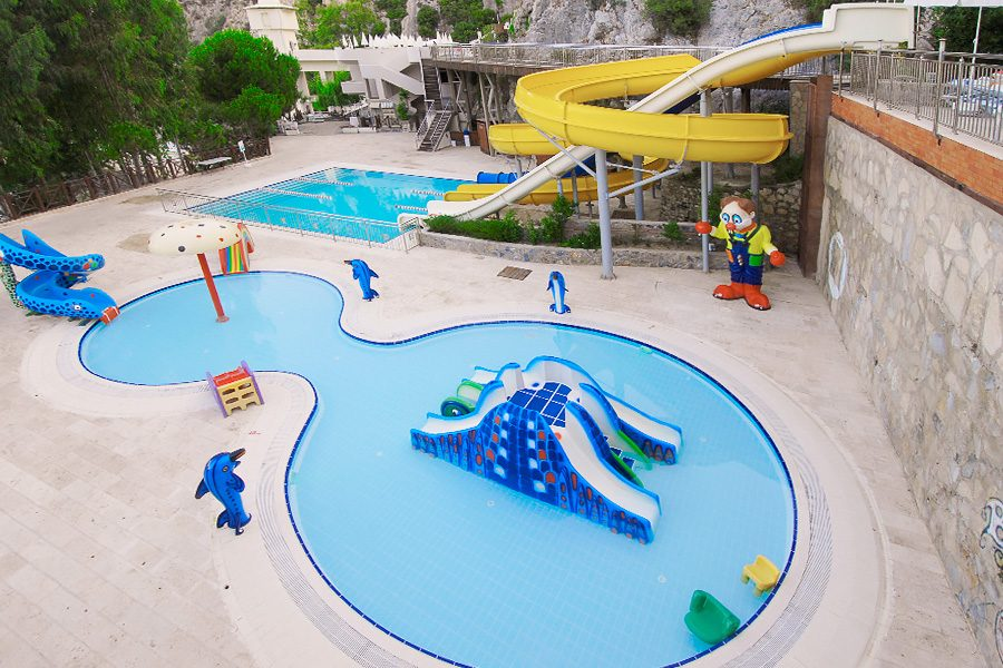бассейн отеля Alkoclar Adakule Hotel