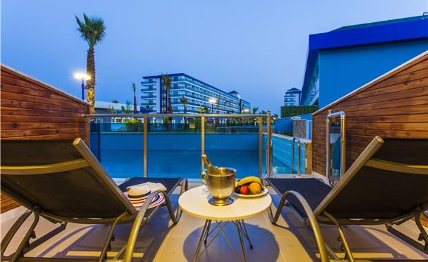 территория отеля Eftalia Marin Hotel
