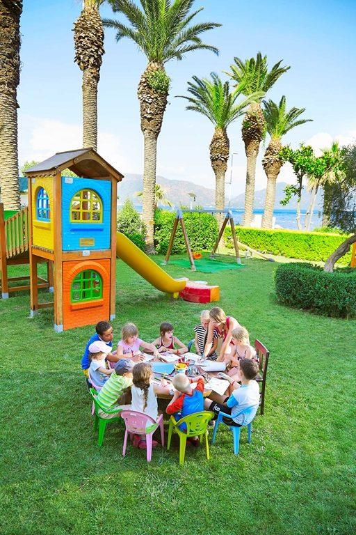 детская площадка отеля Ideal Prime Beach