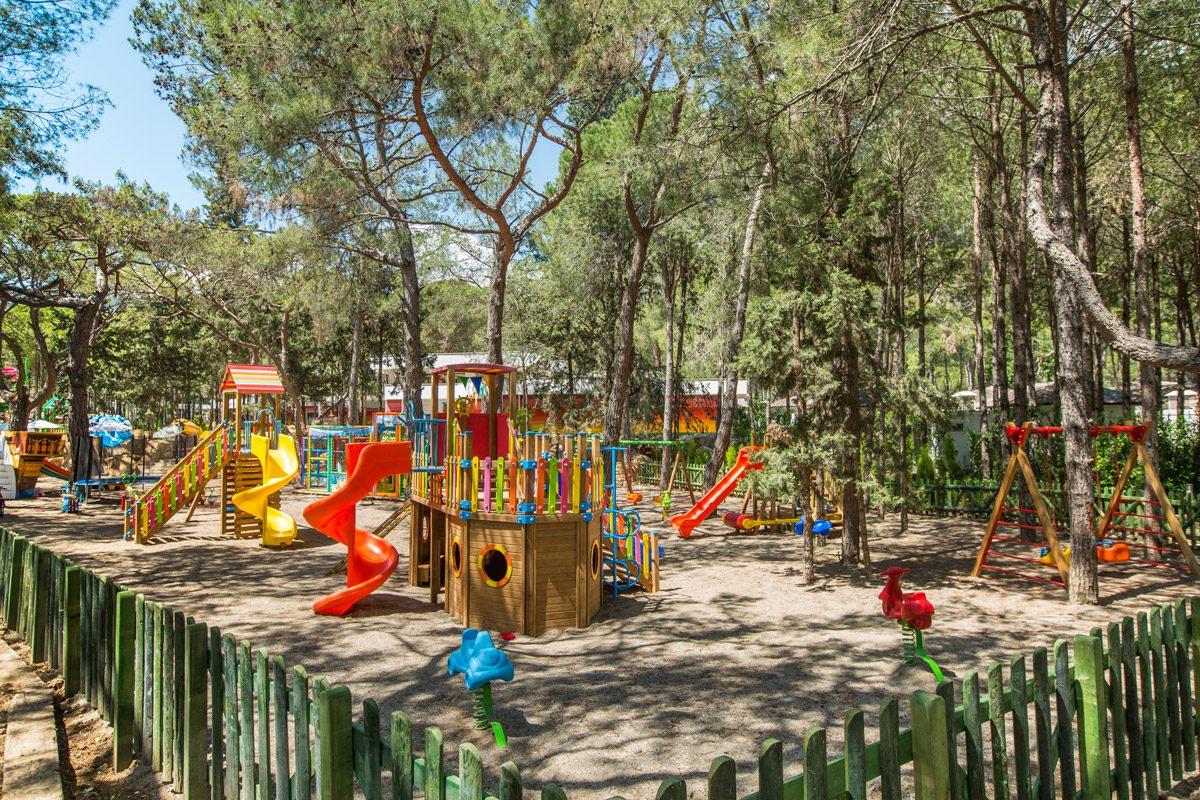 детская площадка отеля Nirvana Lagoon Villas