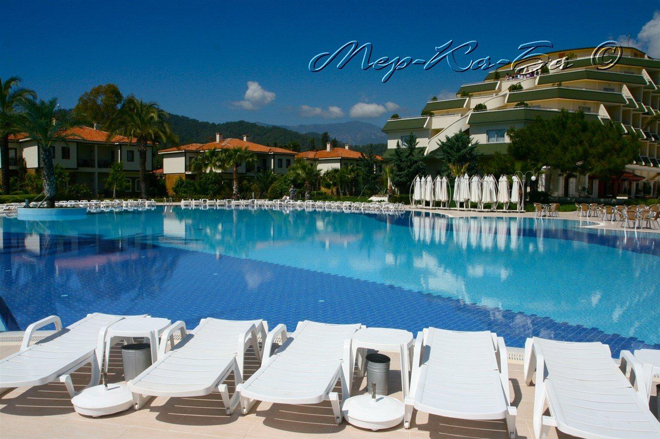 бассейн отеля Queen's Park Tekirova Resort & Spa