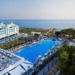 территория отеля Rubi Platinum Spa Resort & Suites