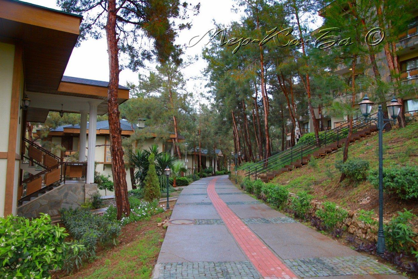 территория отеля Utopia World Resort & Spa