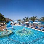 бассейн отеля Pirate's Beach Club