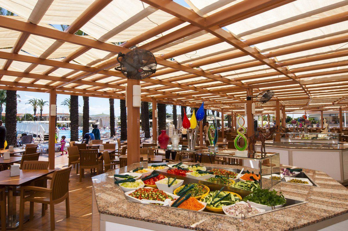 ресторан отеля TUI Family Life Tropical Resort