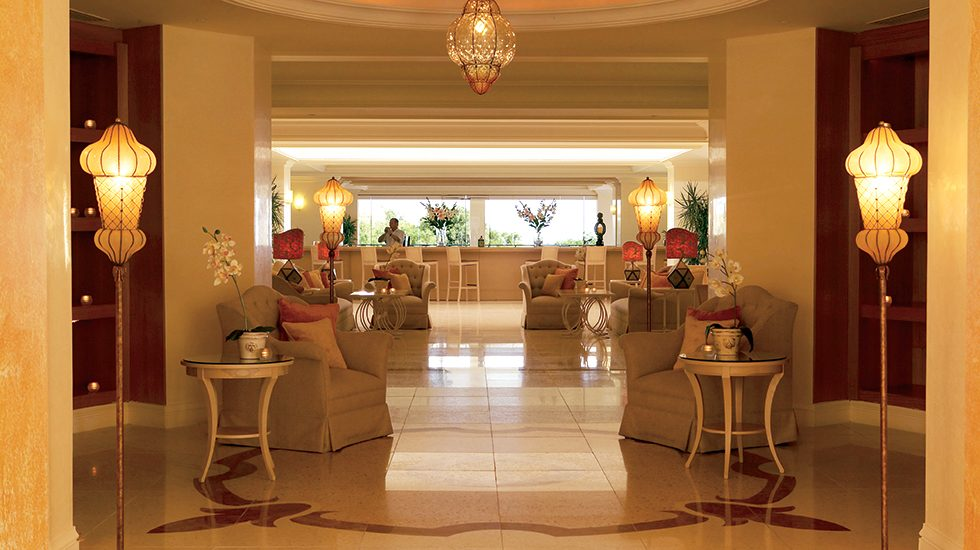 корпус отеля Grecotel Eva Palace