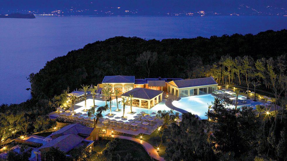 территория отеля Grecotel Eva Palace