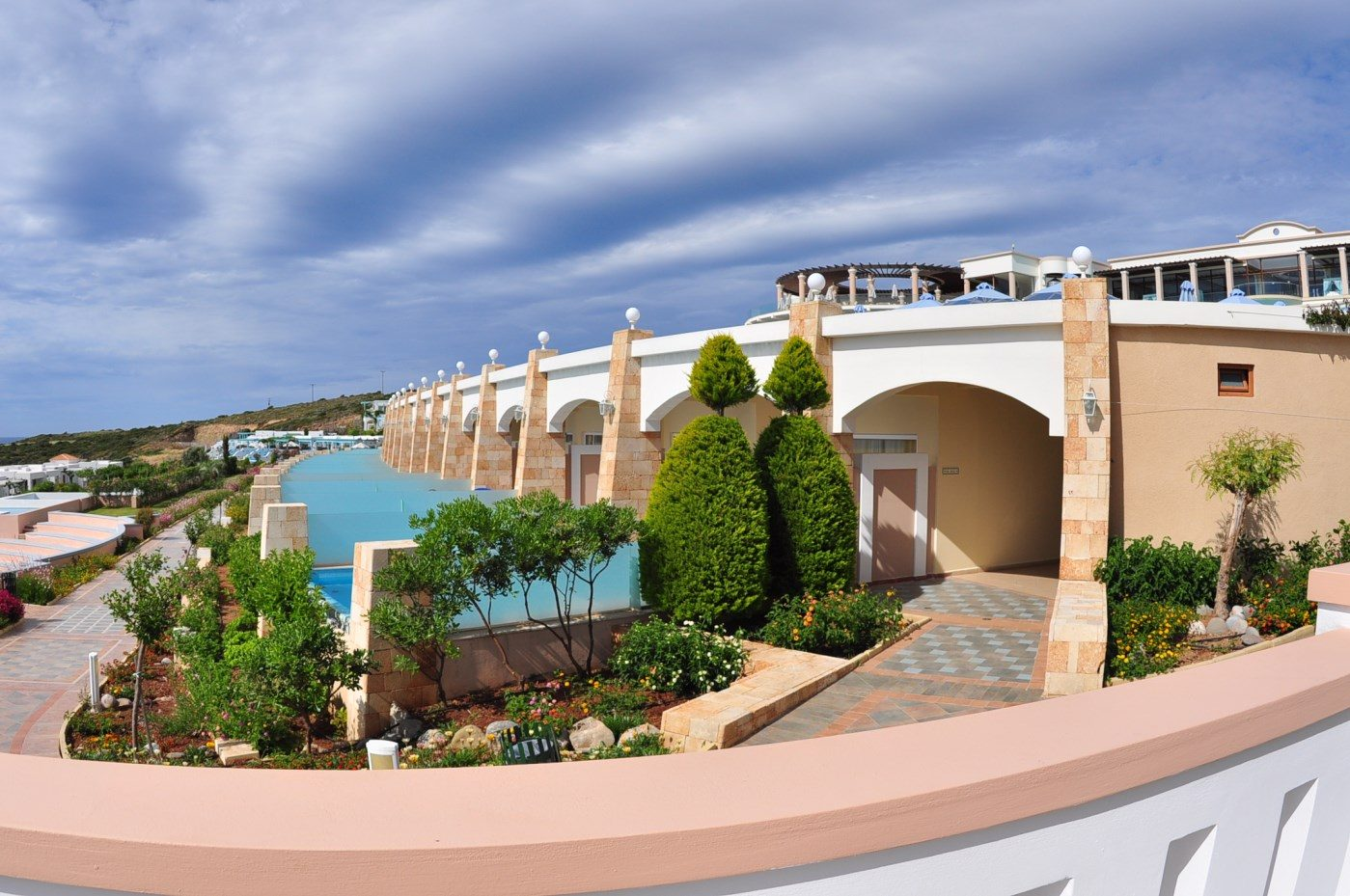 территория отеля Atrium Prestige Thalasso Spa Resort & Villas