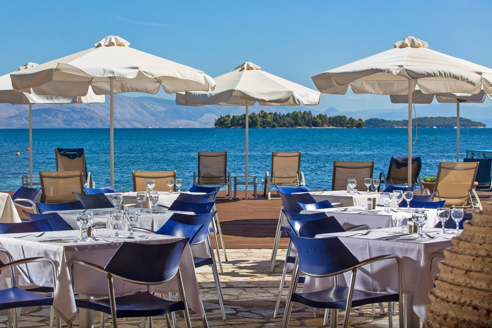 ресторан отеля Kontokali Bay Resort Spa