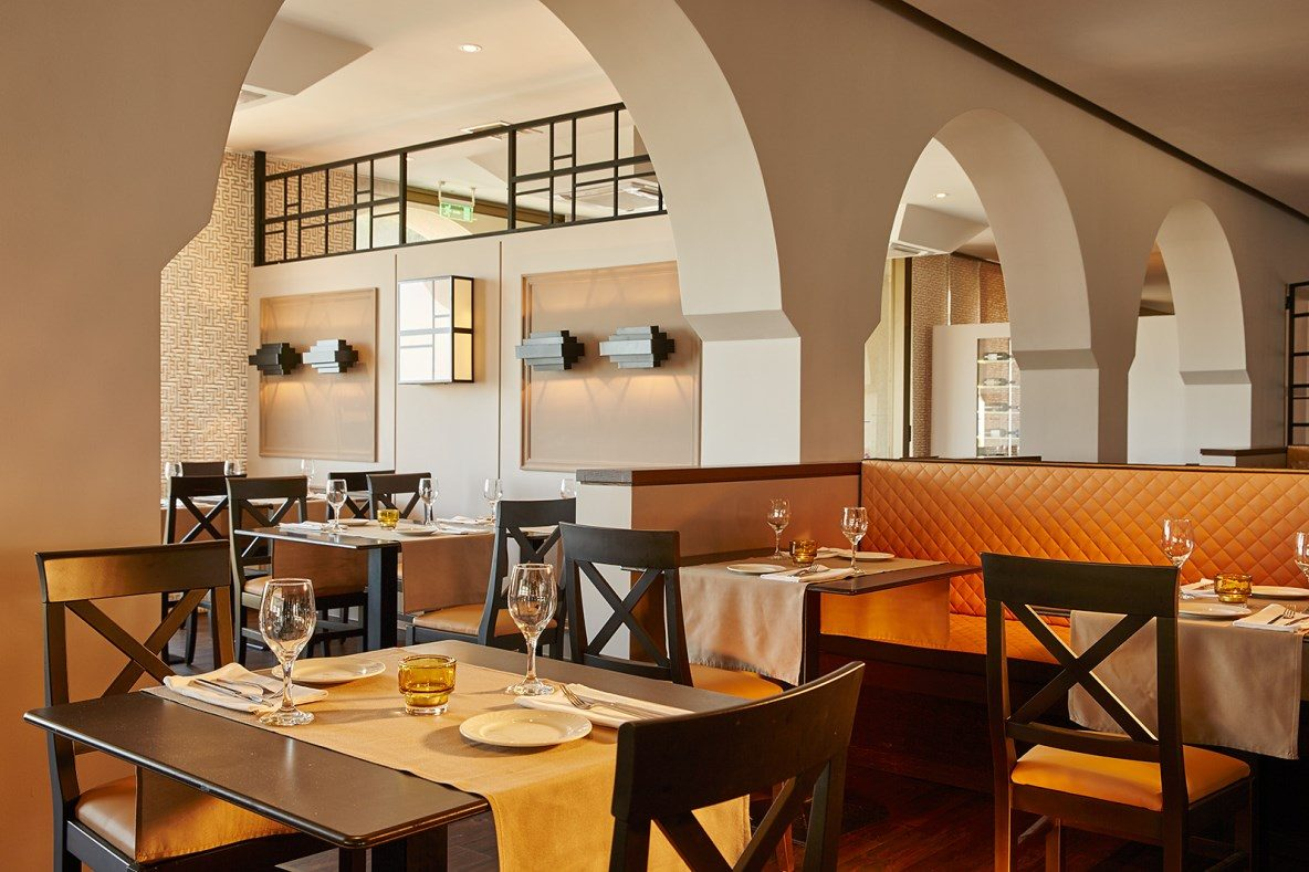 ресторан отеля MarBella Corfu