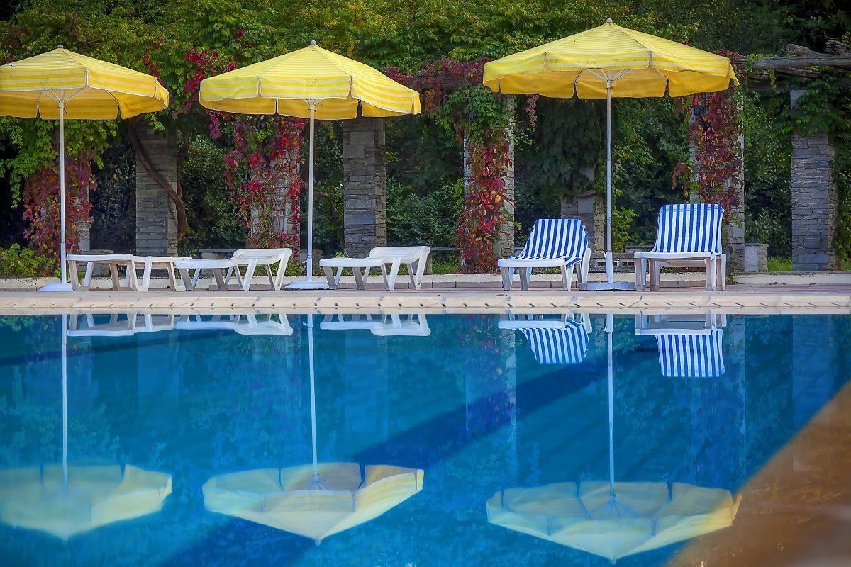 бассейн отеля Athos Palace