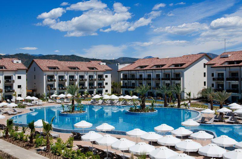 территория отеля Barut Fethiye Sensatori