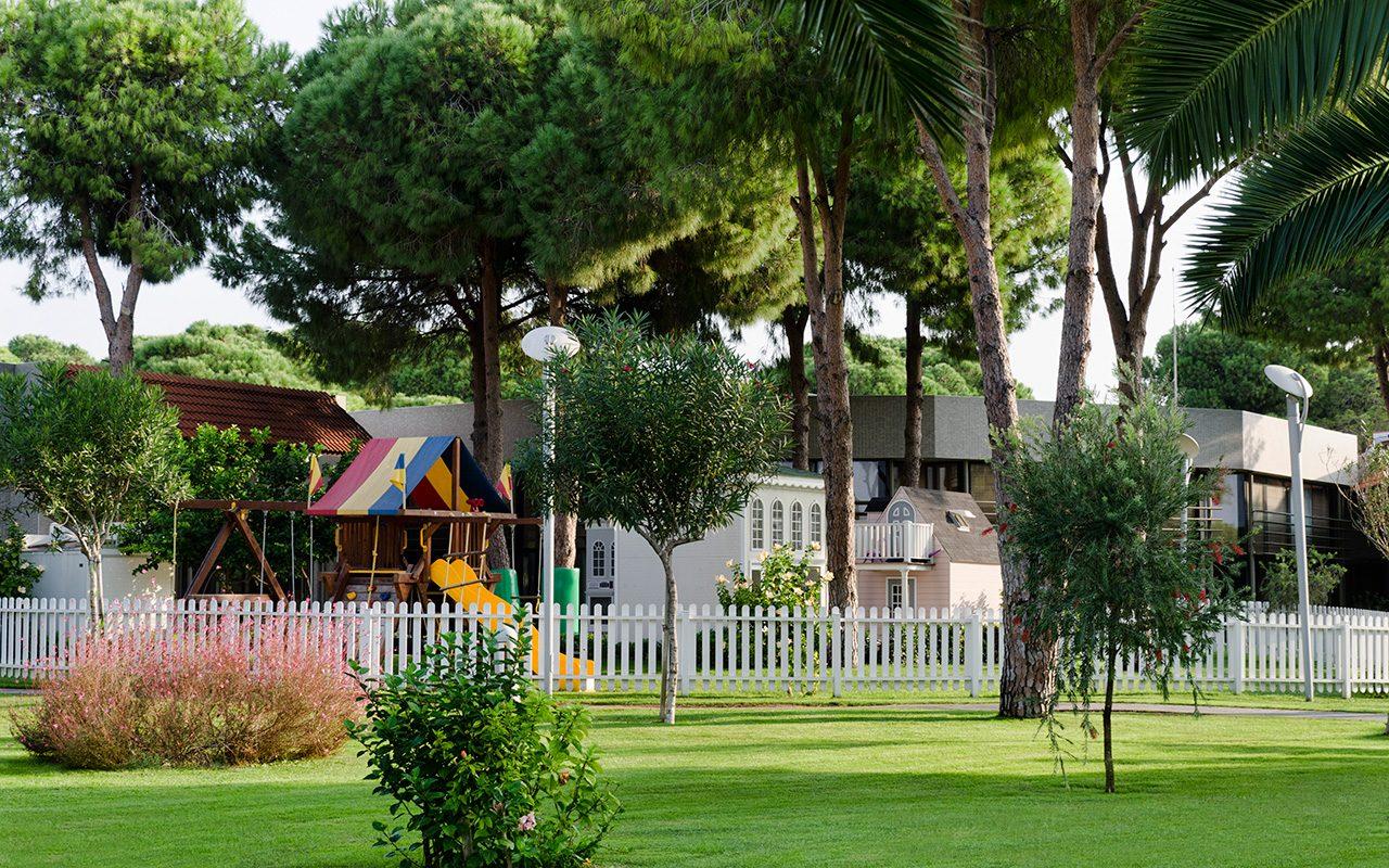 территория отеля Gloria Serenity Resort