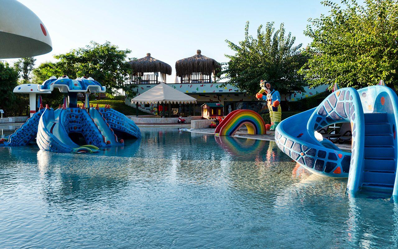 водные горки отеля Gloria Verde Resort