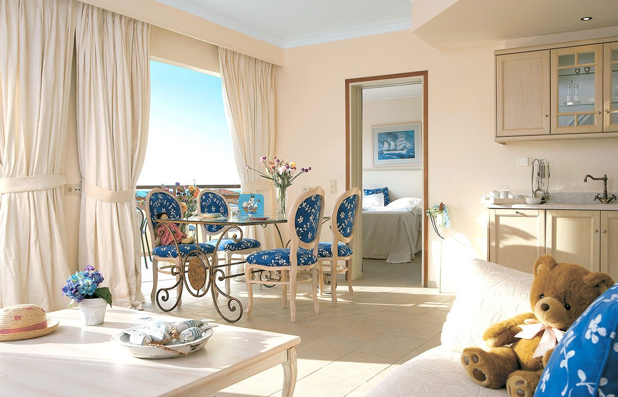 номер отеля Grecotel Marine Palace Suites
