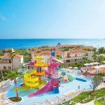 водные горки отеля Grecotel Marine Palace Suites