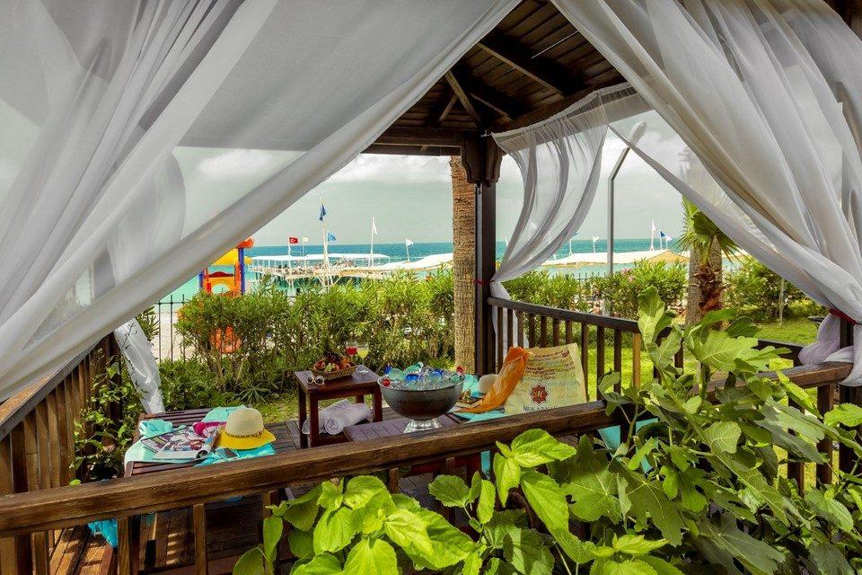 ресторан отеля Mukarnas Spa Resort