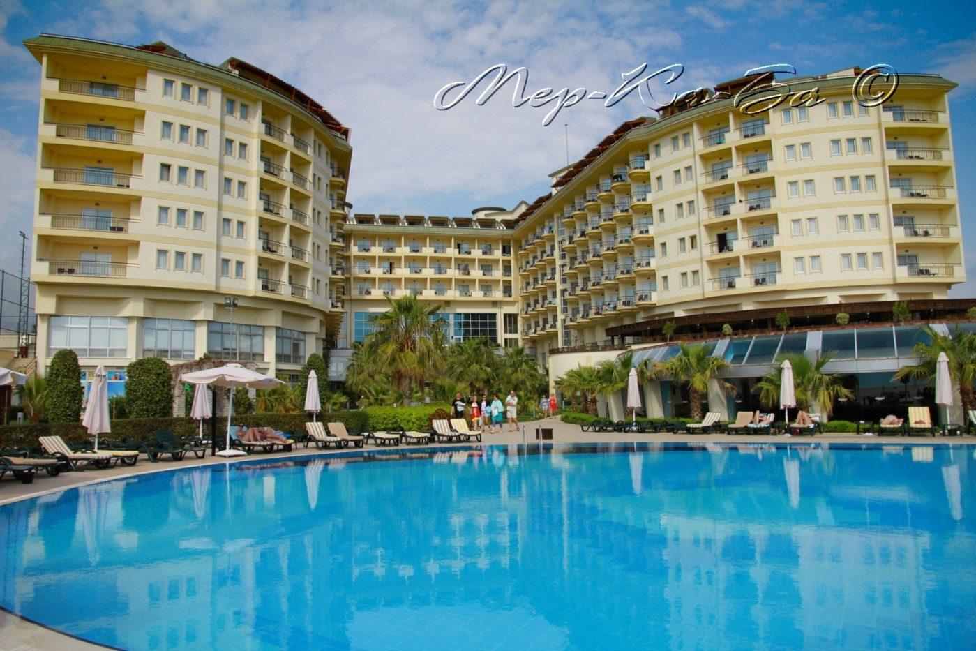 корпус отеля Mukarnas Spa Resort