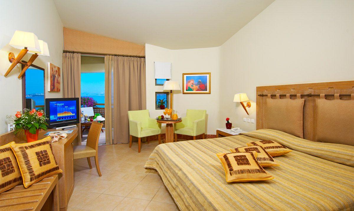 номер отеля Santa Marina Plaza