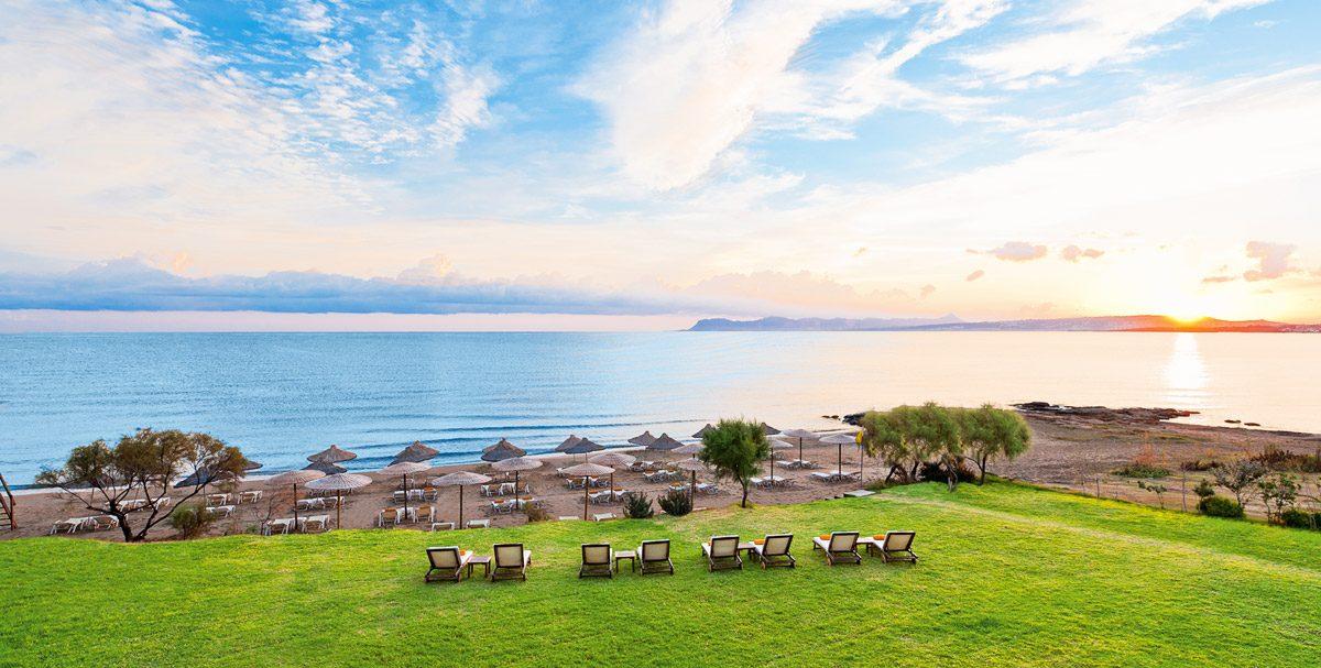 пляж отеля Santa Marina Plaza