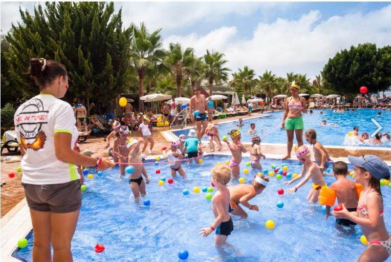 бассейн отеля Concordia Celes