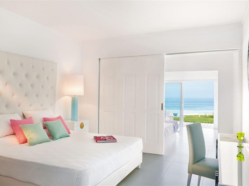номер отеля The White Palace Grecotel Luxury Resort