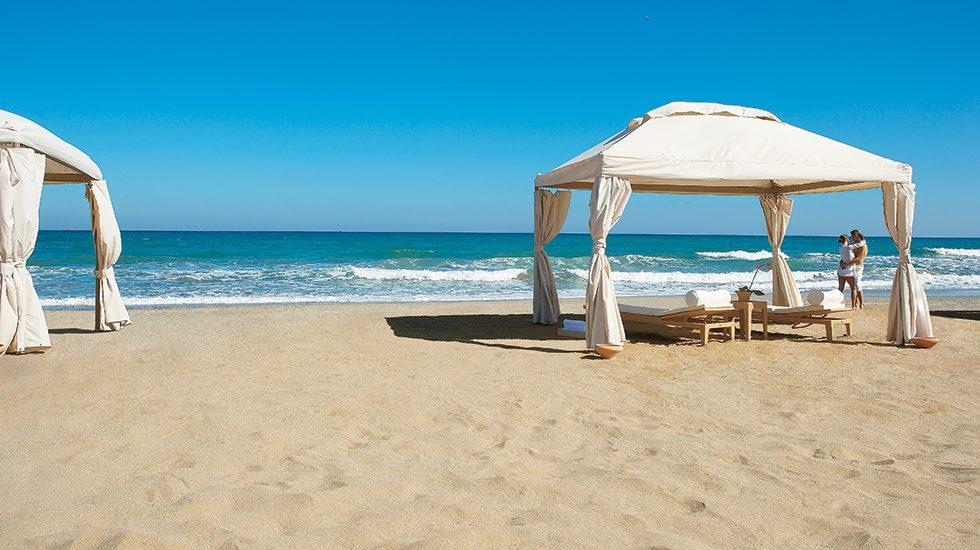 пляж отеля Grecotel Amirandes