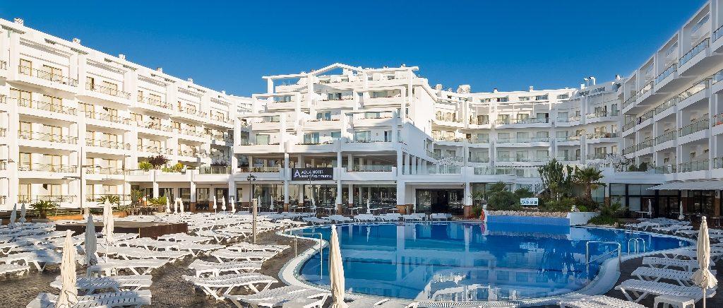 корпус отеля Aqua Hotel Aquamarina