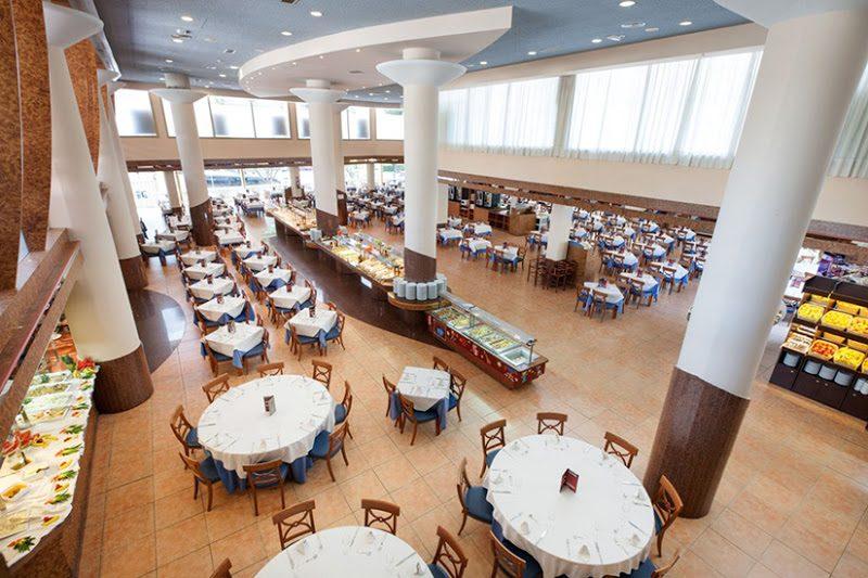 ресторан отеля Dorada Palace